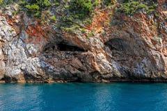 Havsgrotta på kusten av Alanya, Turkiet Royaltyfria Bilder