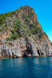 Havsgrotta på kusten av Alanya, Turkiet Royaltyfri Bild