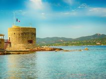 Havsikt i Saint Tropez i Frankrike arkivfoton