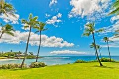 Havsikt i västra område för Maui Kaanapali strandsemesterort. Arkivbilder