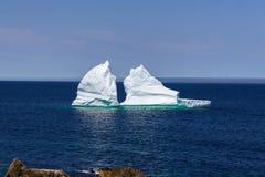 Havsikt med isberg Arkivbild