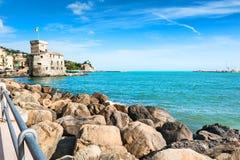 Havskust i Rapallo, Italien Royaltyfria Bilder