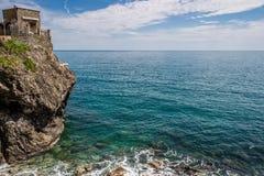 Havskust, Monterosso alsto, Cinque Terre, Italien Royaltyfria Bilder