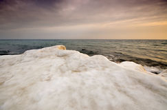 Havskust under vintern Royaltyfria Foton