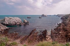 Havslandskap i norden av Spanien arkivfoto