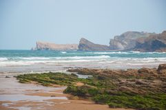 Havslandskap i norden av Spanien royaltyfri bild