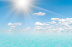 Havsliggande och clouds.2 Arkivbild
