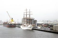 Havsmoln II - Zagreb - Belfast port Royaltyfri Foto