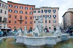 Havsnymf i springbrunnen av Neptun i piazza Navona i Rome Arkivfoton