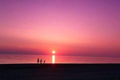 Havsscapeplats solnedgång i för havet, strandhav Arkivbilder