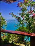 Havssikt från balkongen Fotografering för Bildbyråer