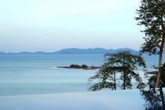 Havssikt från simbassäng Royaltyfri Fotografi