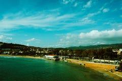 Havssikten, spanjor skäller, solig sommar Fotografering för Bildbyråer