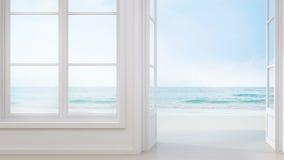 Havssiktsrum med fönstret och dörr i det moderna strandhuset, lyxig vit inre av sommarhemmet