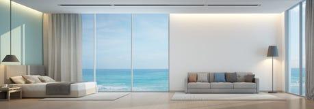 Havssiktssovrum och vardagsrum i lyxigt strandhus Royaltyfri Foto