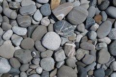 Havsstenen och stranden i Sochi royaltyfria foton