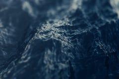 Havsvågnärbild, sikt för låg vinkel med bokeheffekter framförande 3d Royaltyfri Fotografi