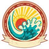 Havsvåg och solljus. Tappningetikett med snirkeln fo Royaltyfri Fotografi