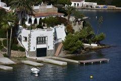 Havsvilla, Menorca, Spanien Arkivfoto