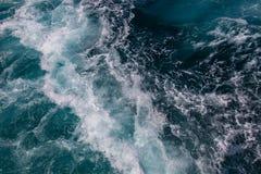 Havyttersida, havsvatten i det blåa havet, bakgrund arkivbild