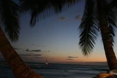 Hawaï na zonsondergang stock fotografie