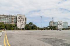 HAWAŃSKI, KUBA, FEB - 21, 2016: Portret Che Guevara na Camilo Cienfuegos na i minister spraw wewnętrznych fotografia stock