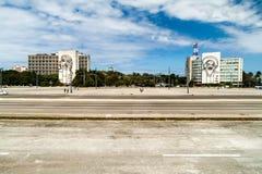 HAWAŃSKI, KUBA, FEB - 21, 2016: Portret Che Guevara na Camilo Cienfuegos na i minister spraw wewnętrznych obrazy stock