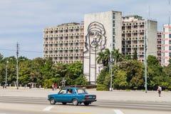HAWAŃSKI, KUBA, FEB - 21, 2016: Portret Che Guevara na minister spraw wewnętrznych na Placu De Los angeles Revolucion fotografia stock