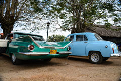 HAWAŃSKI, KUBA, GRUDZIEŃ - 6, 2014 Klasyczny Amerykański parking samochodowy na str Obraz Royalty Free