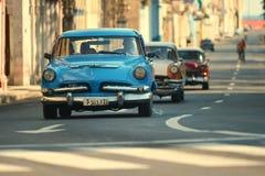 Hawański, Kuba, Maj 29, 2016: Rocznika samochód na Hawańskiej ulicie Zdjęcie Stock