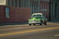 Hawański, Kuba, Maj 29, 2016: Rocznika samochód na Hawańskiej ulicie Obrazy Stock