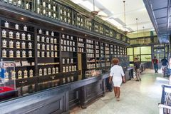 HAWAŃSKI, KUBA, PAŹDZIERNIK - 23, 2017: Hawański Stary miasteczko i herbata Kawowy sklep Obraz Royalty Free