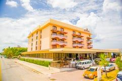 HAWAŃSKI, KUBA, SIERPIEŃ - 30, 2015: Historyczny hotel Obraz Royalty Free