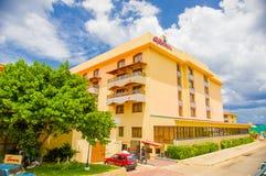 HAWAŃSKI, KUBA, SIERPIEŃ - 30, 2015: Historyczny hotel Obrazy Stock