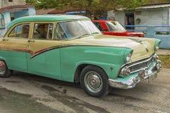 HAWAŃSKI, KUBA, STYCZEŃ - 03, 2018: Rocznika klasyczny Amerykański samochodowy ri Zdjęcie Royalty Free