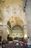 HAWAŃSKI, KUBA, STYCZEŃ - 27, 2013: Wnętrze Catedral San Cristobal na Katedralnym placu, sławny turystyczny i religijny Obraz Stock