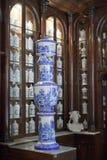 HAWAŃSKI, KUBA, STYCZEŃ - 27, 2013: Wnętrze Farmaceutyczna Muzealna Taquechel apteka w Stary Hawańskim Obrazy Stock