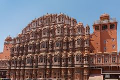 Hawa Mahal ou palácio dos ventos ou palácio cor-de-rosa na cidade de Jaipur, estado de Rajasthan, Índia Fotografia de Stock Royalty Free