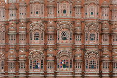 Hawa Mahal slott (slotten av vindarna) i Jaipur Royaltyfri Bild