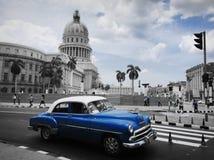 Hawański w czasu i rocznika samochody Kuba wycieczka Obrazy Stock