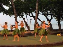 HAWAIANSK TRADITIONELL HULASHOW Arkivbilder