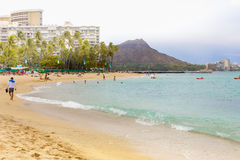 Hawaii oahu waikikistrand en av de mest önskvärda turist- destinationerna i världen Arkivfoton
