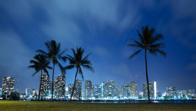 Hawaii-Skyline nachts Stockfoto
