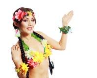 Hawaiiaans exotisch meisje die open palm tonen Stock Afbeeldingen