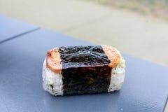 Hawaiiaanse keuken, spam en rijst royalty-vrije stock afbeeldingen