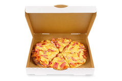 Hawaiiaanse pizza in duidelijke witte doos Royalty-vrije Stock Foto's