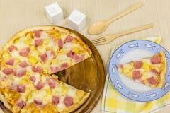 Hawaiian de la pizza imagenes de archivo
