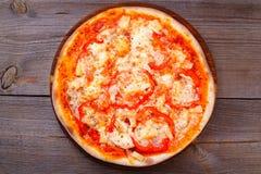 Hawaiian delicioso da pizza com abacaxi e presunto fotografia de stock royalty free