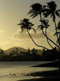 Hawaiian sunset. Sunset at Toe's Beach Park with Diamond Head Crater in the background Royalty Free Stock Photos