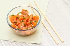 Hawaiibo petar med lax- och sesamfrö, kokta ris, nytt c fotografering för bildbyråer